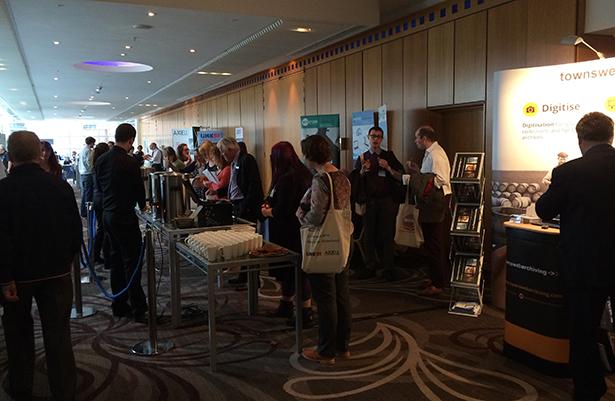 ARA conference 2014 - Crowds