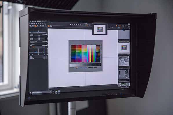 Capture_of_IT8-7_colour_chart_using_DSLR