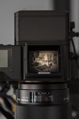 DSLR_viewfinder_showing_glass_negative_filling_frame