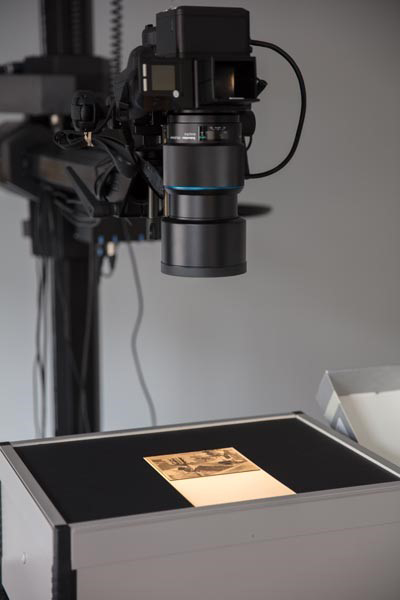 Phase_One_XF_DSLR_and_lightbox_setup_digitise_glass_plates